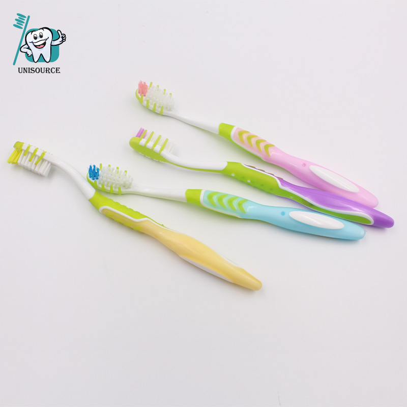 With Rubber Tips Adult Toothbrush