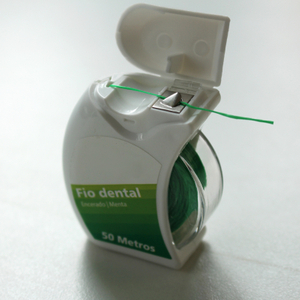 Good Quality Dental Floss with Transparment Case