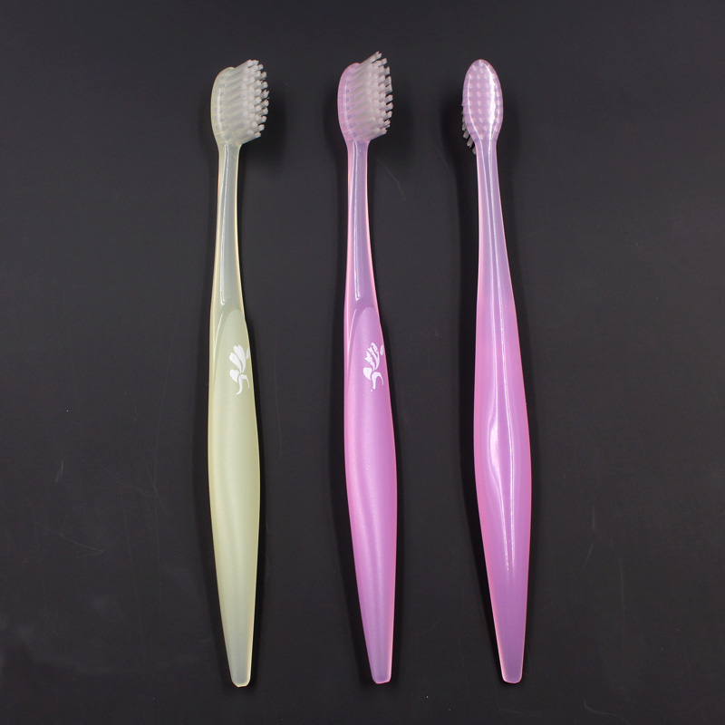 Adult Toothbrush with compact head